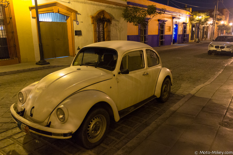 These old VW bugs are every where. By far the most common car in Mexico.