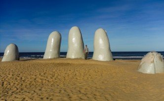 Mano de Punta del Este. Another famous sculpture of a hand emerging from the sand. The last one was nearly 4 months ago in the Atacama Desert, Chile.